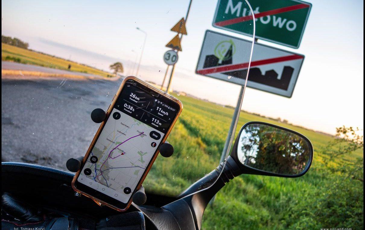 Mutowo, wieś w gminie Szamotuły, Wielkopolska - podróże skuterem / fot. Tomasz Koryl