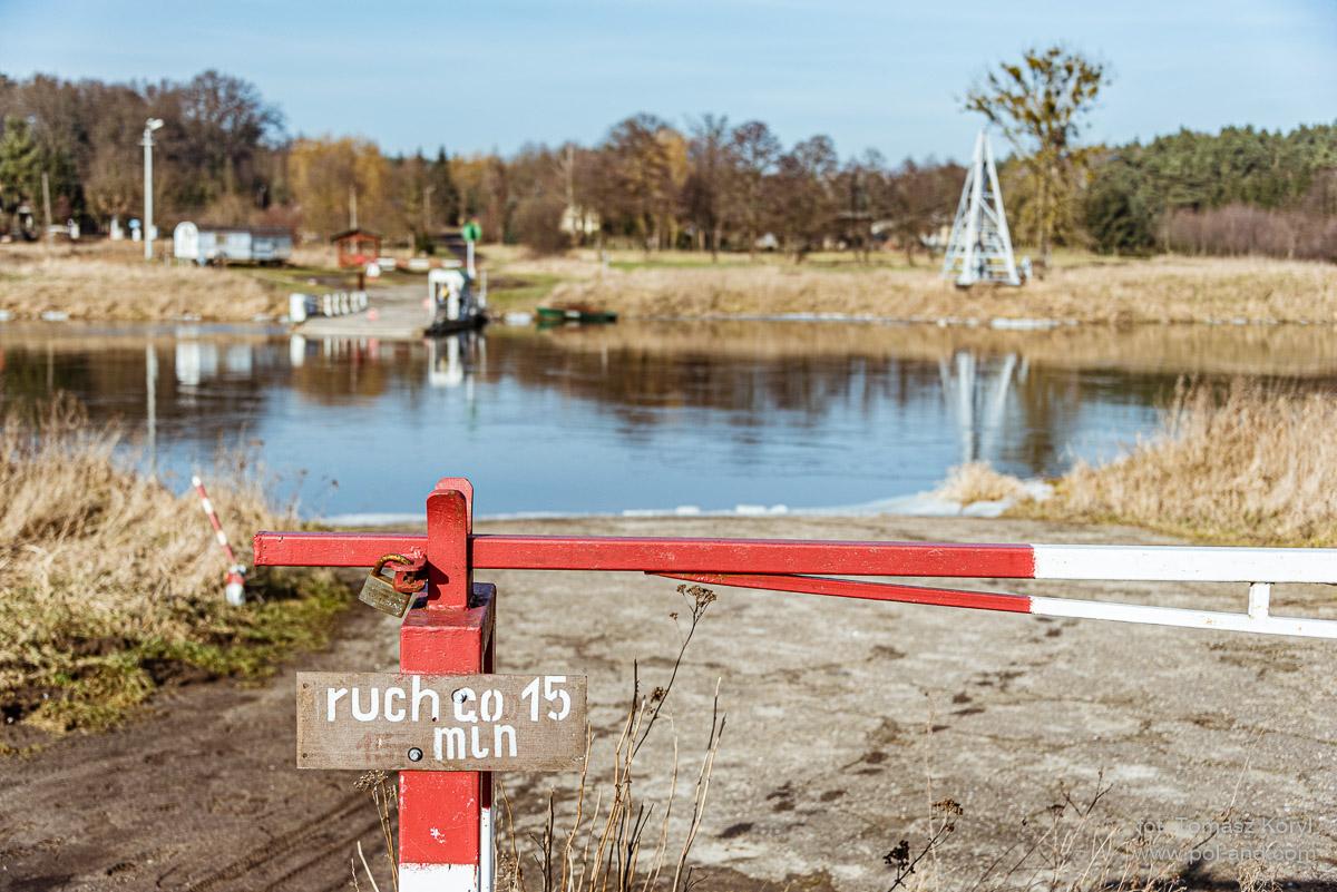Prom rzeczny na Warcie- Karolewo - Chojno Wieś  fot. Tomasz Koryl